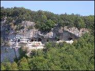 Enigmatic cliffs in the Vezere Valley