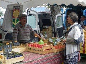 Bonnieux market