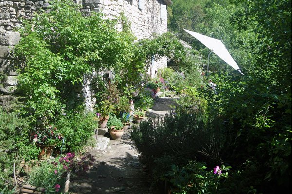 Caretakers garden - Fort de Buoux