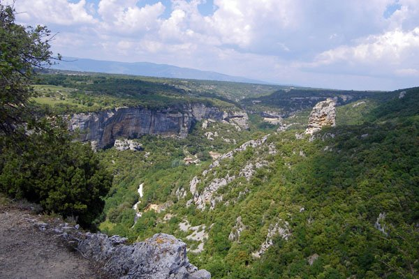 Aiguebrun Valley from Fort de Buoux