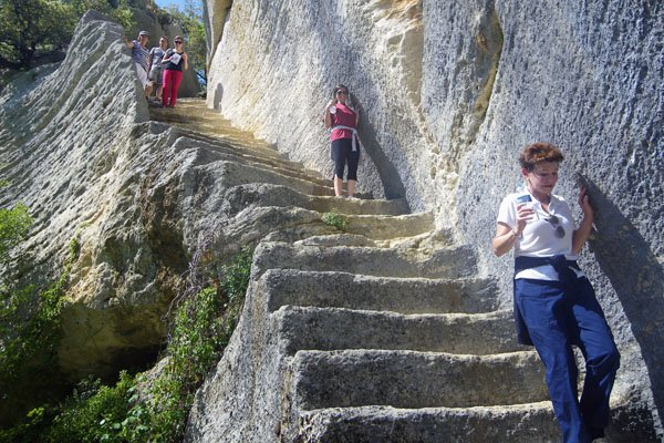 Secret stairway - Fort de Buoux