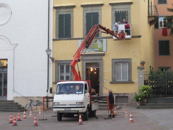 Crane in Piazza San Martino, Lucca