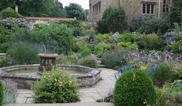 Kiftsgate - sunk garden