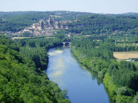 View from Castelnaud-la-Chapelle over the Dordogne river and landscaoe to Beynac