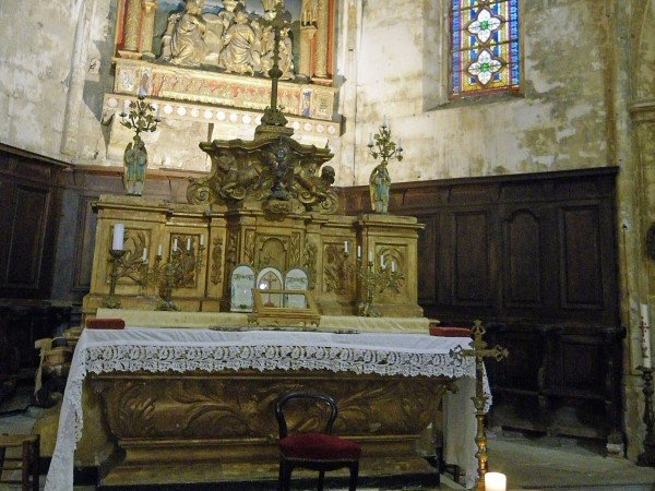 Altar in Bonnieux's old church