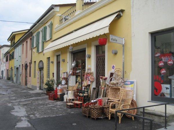 Angolo Bazaar