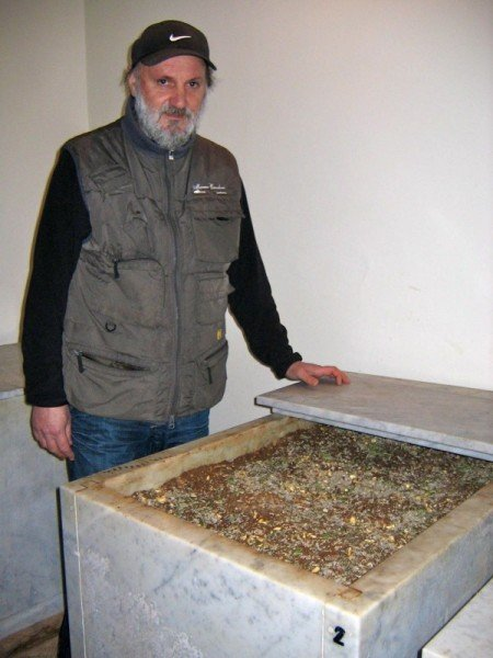 Fausto Guadagni with his marble conca, Colonnata