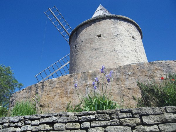 The windmill in Goult