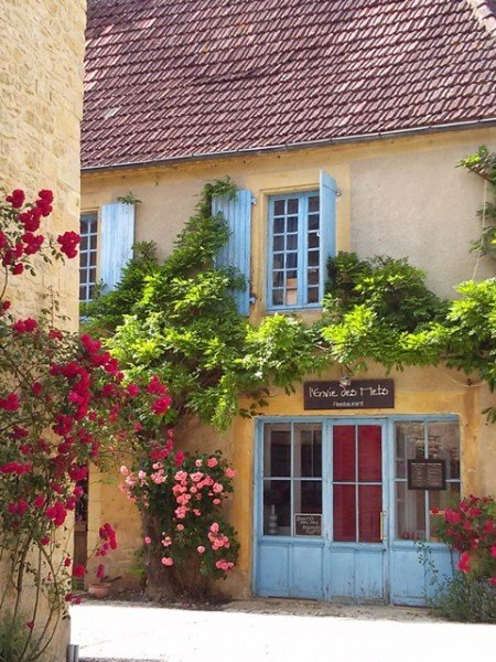 06041404 tiny roadside village could be another plus beaux