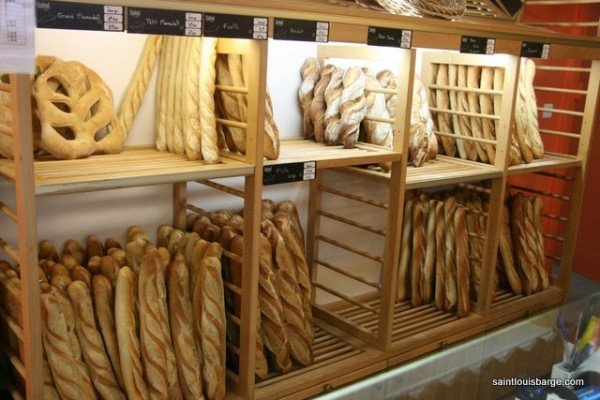Inside a local baker's shop - Montech