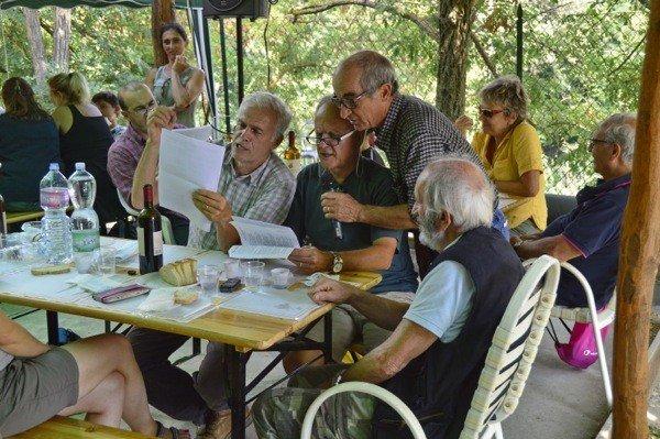 Singing traditional Tuscan songs (photo: Klaus Falbe-Hansen)