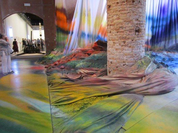 "Katharina Grosse's ""painting"" installation"