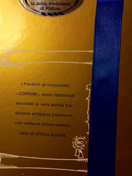 The reverse of the box boasts its provenance as a traditional artisan panforte from Pistoia, a rival of Siena.