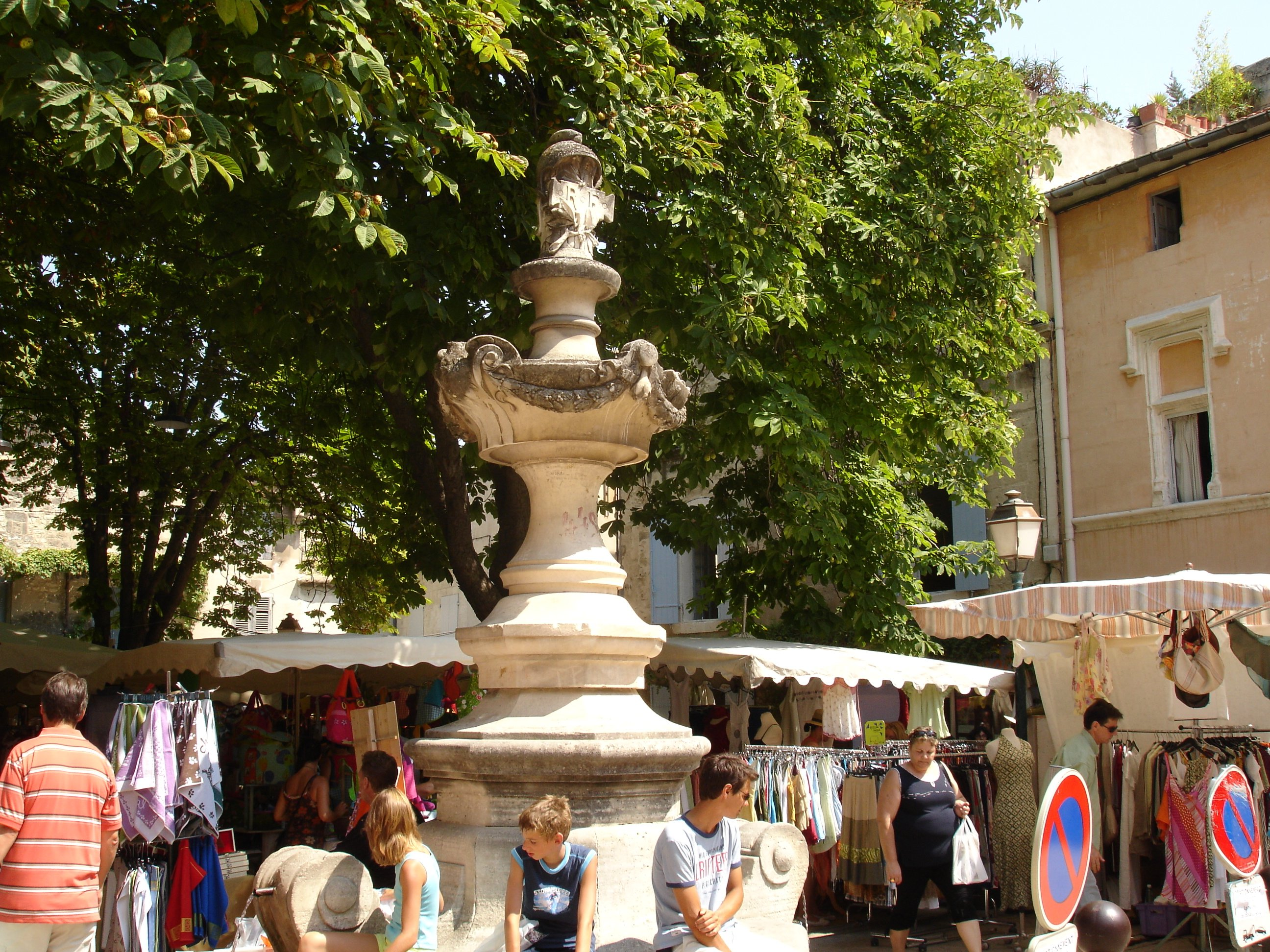 CAM10582 Markets of Provence SRemy