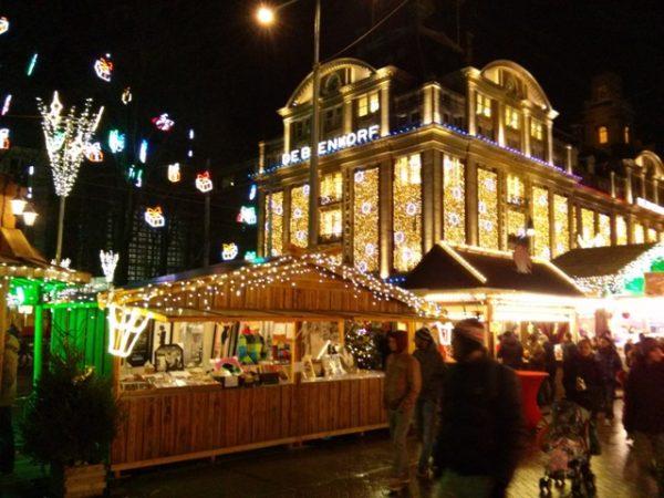 01011402-christmas-market