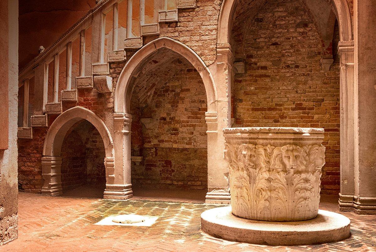 Venice_Italy_Casa-Goldoni_1200