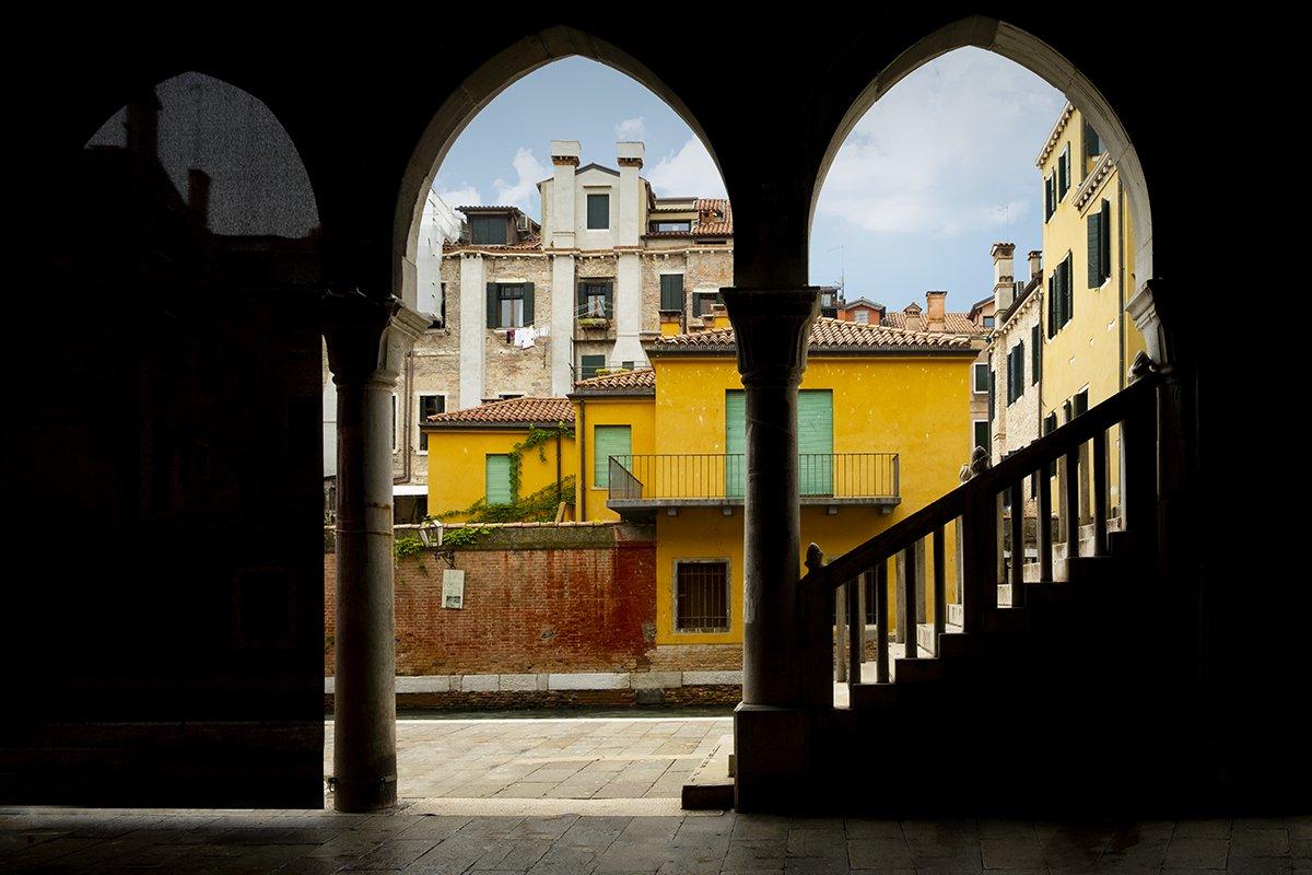 Venice_Italy_Rialto Arcades