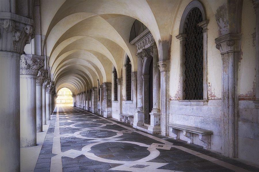Venice_Italy_archades_900