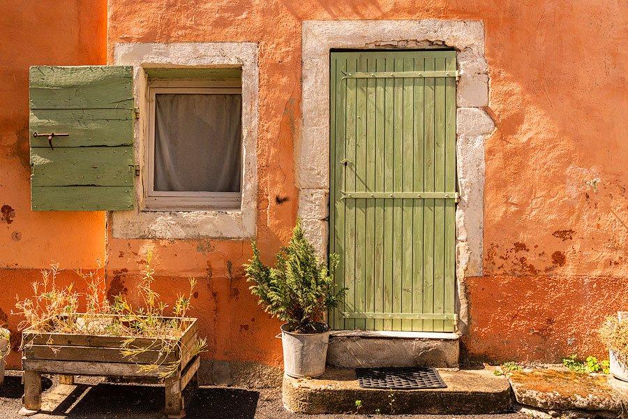 Cereste_Provence_France_door and window