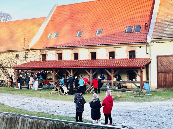 Outdoor wine tasting at Silesian Winery