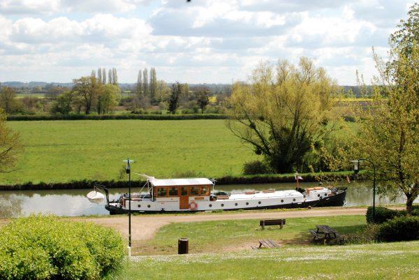 Canal Lateral a la Loire