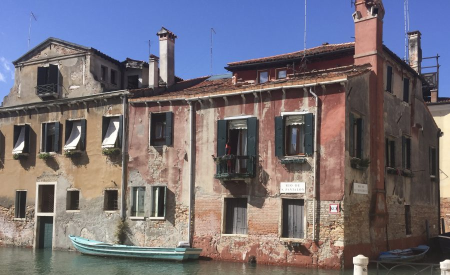 Paint Provence with Tess - canal in Venice