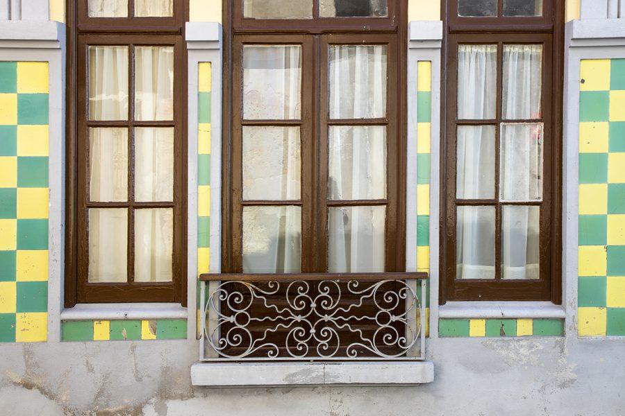 colorful-tiles-of-portugal-3- windows-aveiro