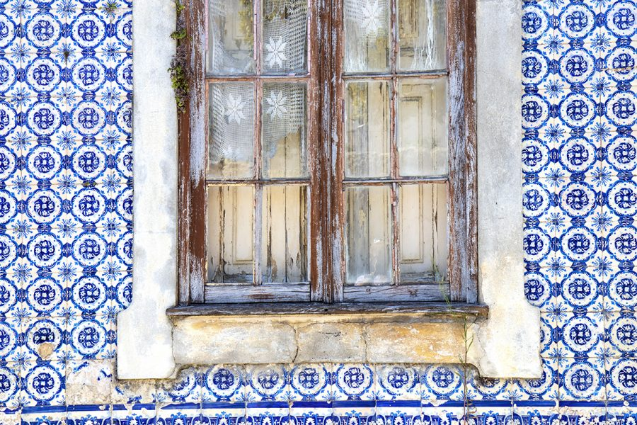 colorful-tiles-of-portugal-wall-window-aveiro