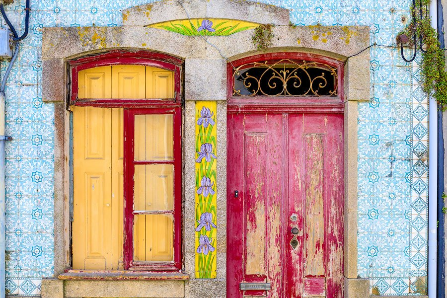 colorful-tiles-of-portugal-two-doors-aveiro-portugal